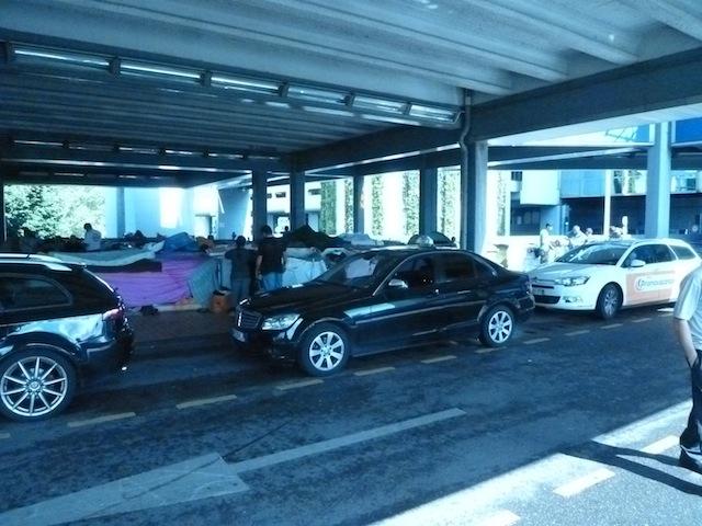 Bidonville de Perrache : les chauffeurs de taxis lancent un ultimatum au préfet du Rhône