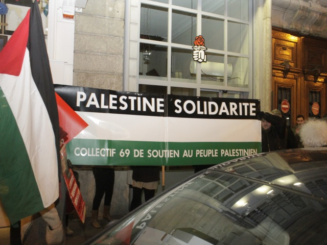 Un rassemblement pour la libération de Georges Abdallah devant le PS du Rhône