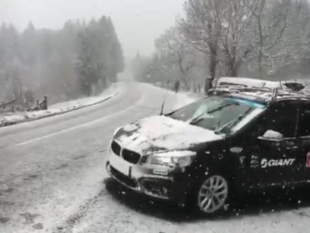 Paris-Nice : la 3e étape, qui devait arriver dans le Rhône, annulée à cause de la neige !