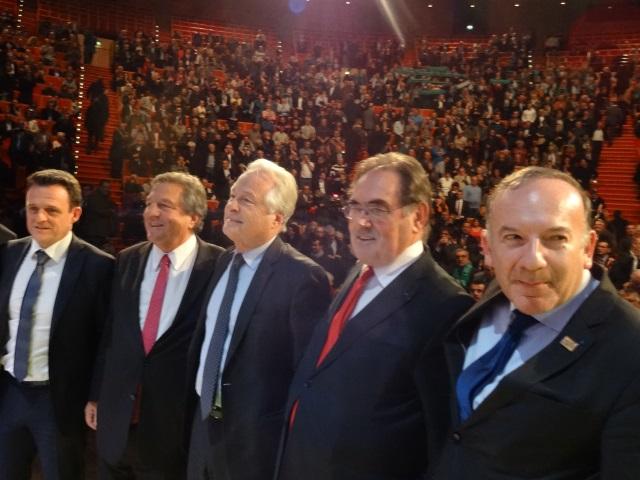 """Lyon : rassemblement """"constructif"""" des patrons qui ont sifflé le gouvernement"""