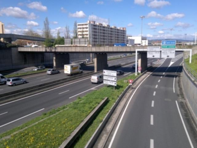 Rhône-Alpes : une fillette oubliée sur une aire d'autoroute de l'A7