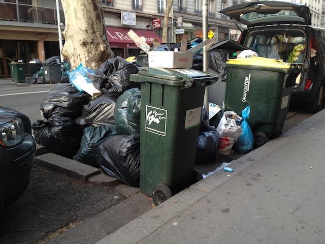 La grève des éboueurs est-elle dangereuse pour la santé des Lyonnais ?