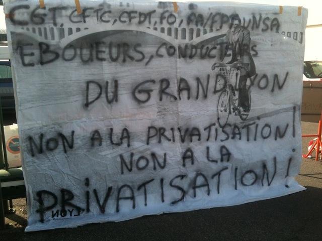 Grève des éboueurs à Lyon: toujours pas de sortie de crise