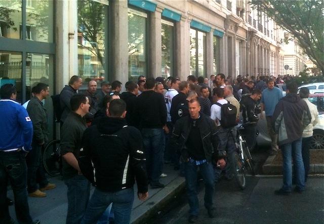 Manifestation spontanée des policiers à Lyon : 150 agents devant la préfecture du Rhône