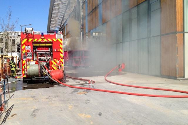 Lyon : un conteneur prend feu à la Confluence