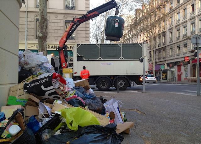 Grand Lyon : 1.085 tonnes de déchets collectées jeudi