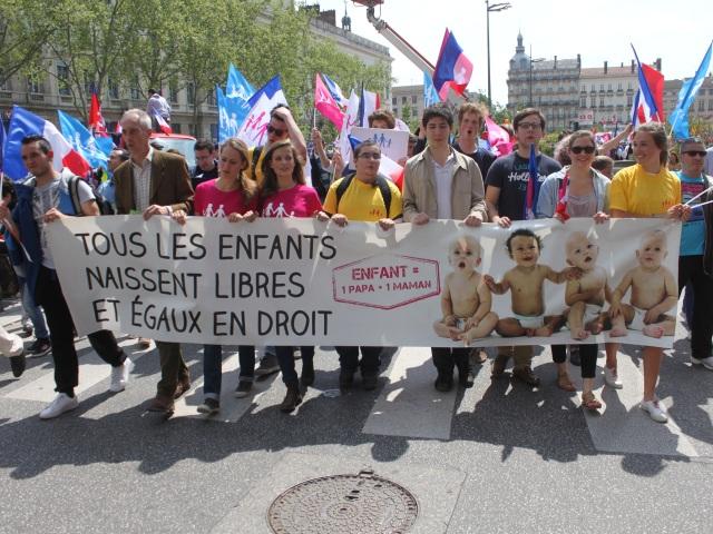 Lyon : entre 9000 et 20 000 opposants au mariage pour tous ont manifesté dimanche