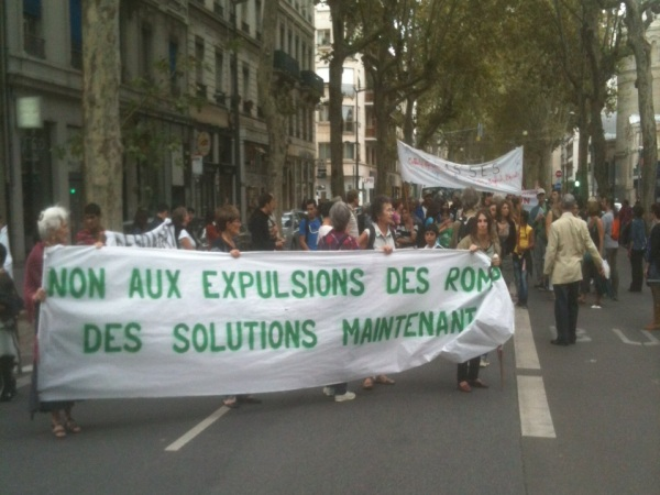 Lyon : intervention de la police lors de la manifestation de soutien aux Roms