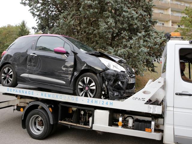 Les policiers ouvrent le feu sur une voiture près de Lyon : le fuyard en état de mort cérébrale