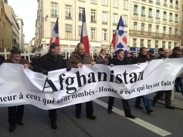 L'avant du cortège d'extrême-droite avec notamment Alexandre Gabriac au centre - LyonMag