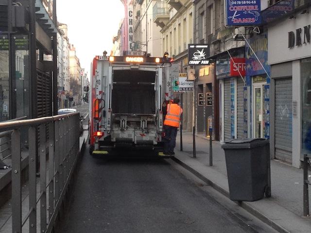 Les éboueurs en grève le 12 mars à Lyon