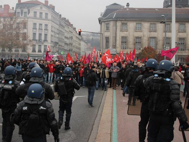 Débordements à la manif anti-FN à Lyon : deux personnes jugées ce lundi