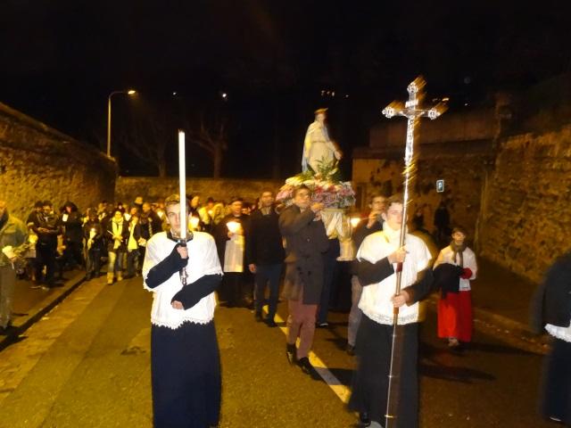 Fête des Lumières : près de 6000 personnes ont participé à la procession du 8 décembre