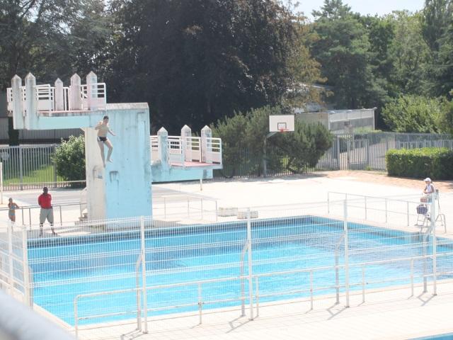 Lyon : fermée après un incendie criminel, la piscine de la Duchère rouvre ce samedi