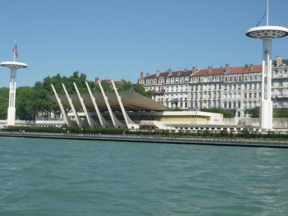 La circulation fluviale sur le Rhône interdite pendant une semaine