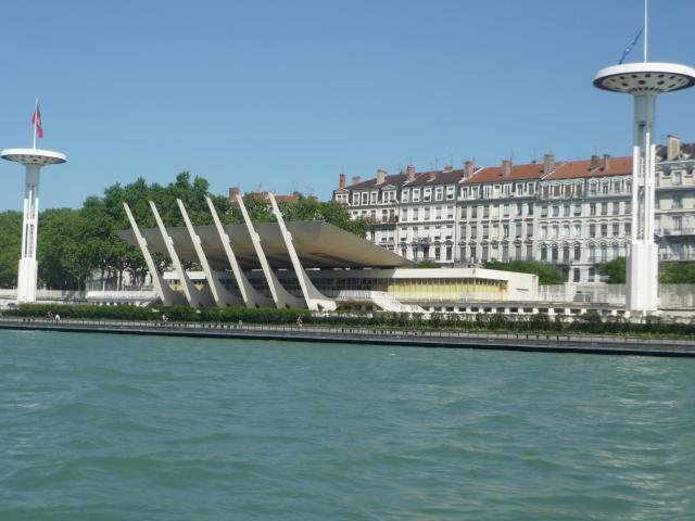 Lyon le centre nautique tony bertrand en mode nuit ce for Piscine tony bertrand