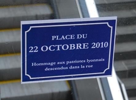Un an après les émeutes de Lyon, les Identitaires rebaptisent la place Ampère