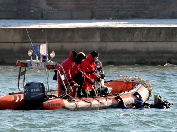 Un père de famille introuvable après être tombé dans la Saône
