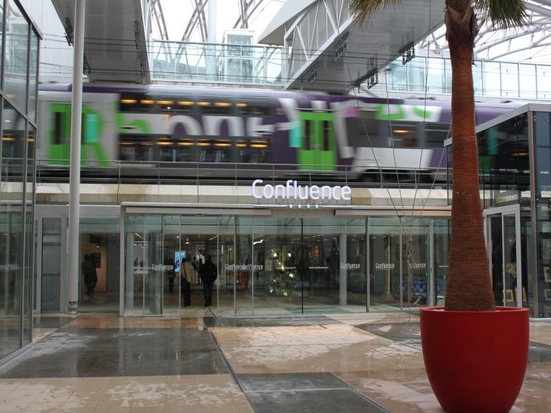 Pôle de commerces et de loisirs Confluence, centre commercial le plus novateur 2012 ?