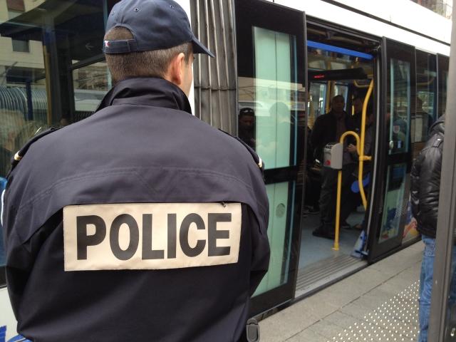 Lyon : 4 contrôleurs des TCL passés à tabac