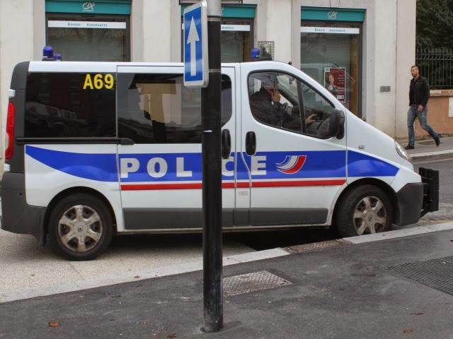 Vaulx-en-Velin : il rate un mariage car il bloque la circulation