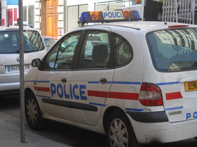 Un homme échappé de l'hôpital du Vinatier fonçait sur les policiers dans une voiture volée