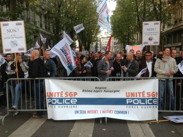 Lyon : 150 policiers manifestent contre le Plan de Loi de Finances 2014