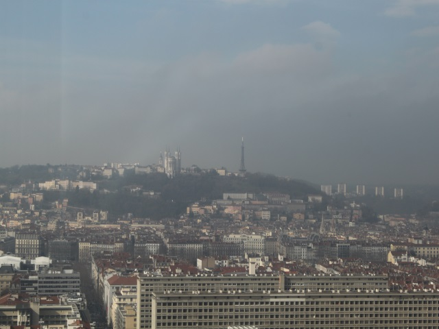 Lyon : début d'un épisode de pollution à l'ozone, la vitesse abaissée sur les routes