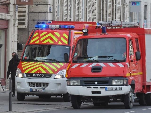 Lyon : deux pompiers blessés après avoir été percutés lors d'une intervention