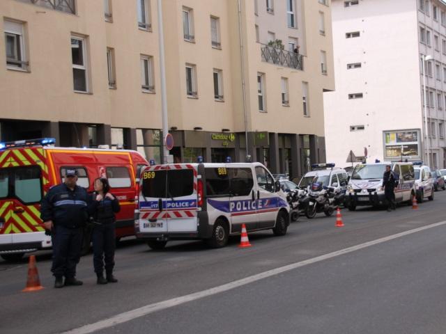 Lyon : un adolescent tombe du 6e étage