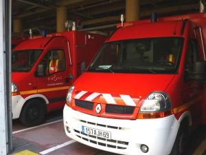 Rhône : un car transportant des enfants se couche dans un fossé