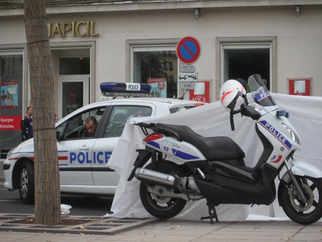 Lyon : un homme meurt d'une crise cardiaque au volant de sa voiture