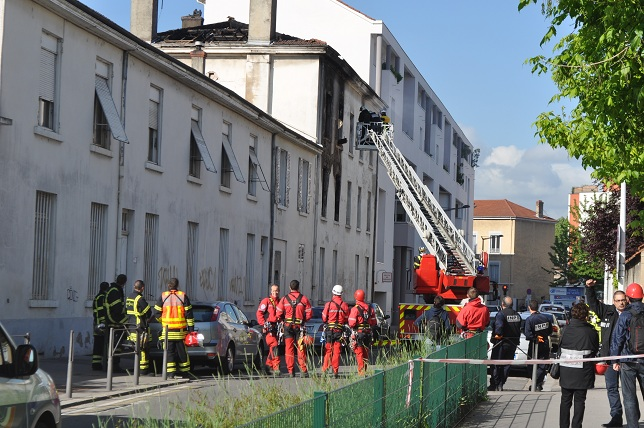 Les pompiers sont toujours sur place - LyonMag.com