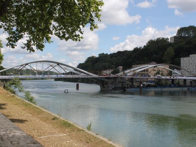 Le pont Schuman relie enfin le 4e et le 9e arrondissement