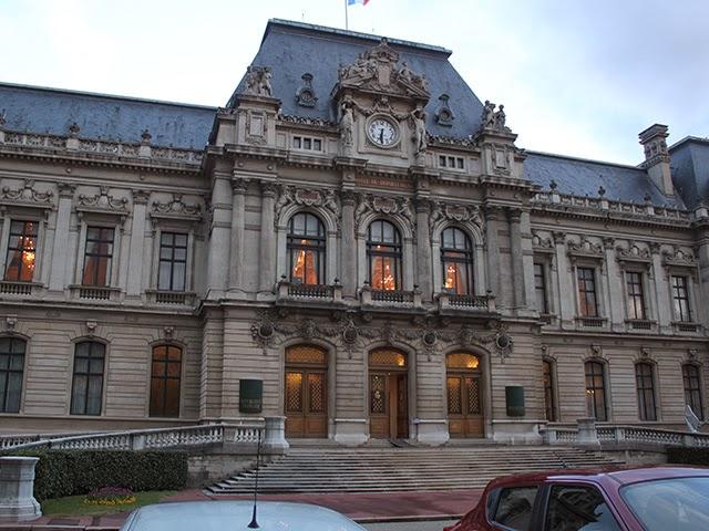 Circulation interdite autour de la préfecture du Rhône vendredi après-midi