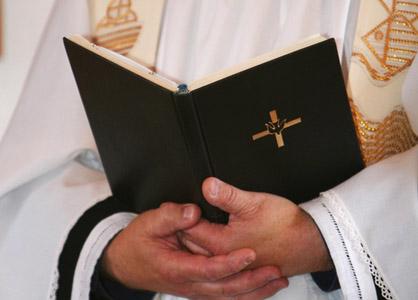 Corruption de mineur : le curé lyonnais Eric Pépino a été blanchi par la justice