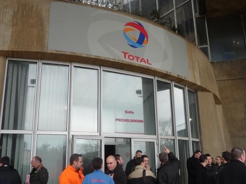 Raffinerie de Feyzin : grève reconduite au moins jusqu'à jeudi midi