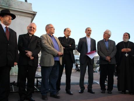 Les représentants religieux de l'agglomération lyonnaise lors d'un rassemblement en octobre 2014 - LyonMag