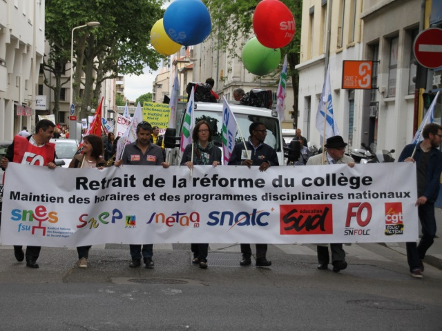 Réforme du collège : 1400 profs manifestent à Lyon