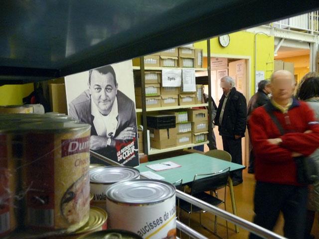 """Menaces sur l'aide alimentaire : """"c'est 2,5 millions de repas en moins"""" dans le Rhône"""