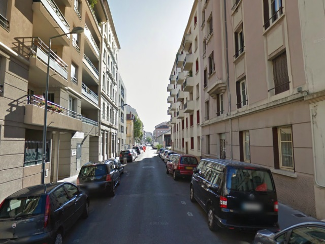 Il se baladait tout nu dans les rues de Villeurbanne