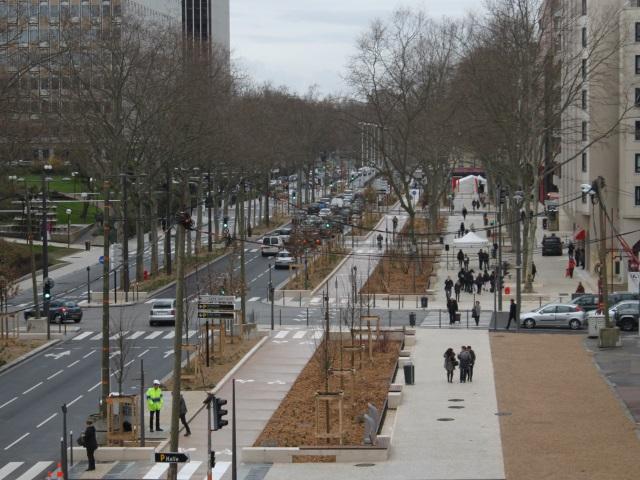 Carrefours restaurés, trottoirs plus larges, piste cyclable : la rue Garibaldi fait peau neuve