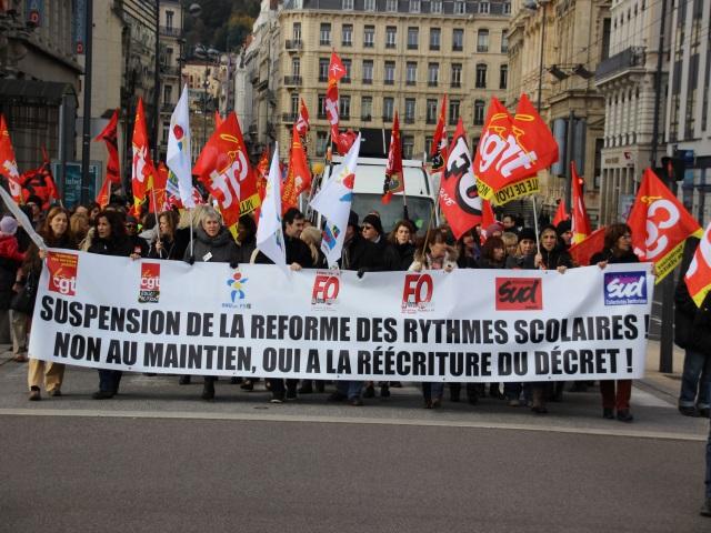 1700 personnes manifestent contre la réforme des rythmes scolaires à Lyon en novembre - LyonMag