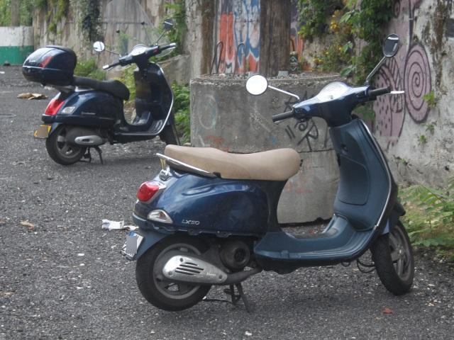 Lyon : ils volent un scooter mais se font arrêter parce qu'ils le poussaient