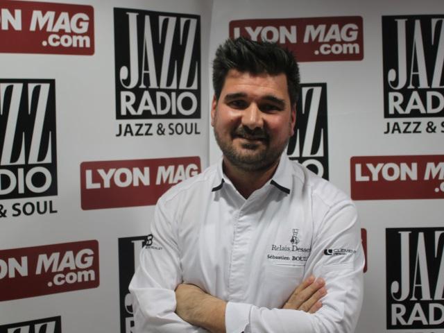 """Sébastien Bouillet : """"Un livre qui rend accessible les recettes de chef en pâtisserie"""""""