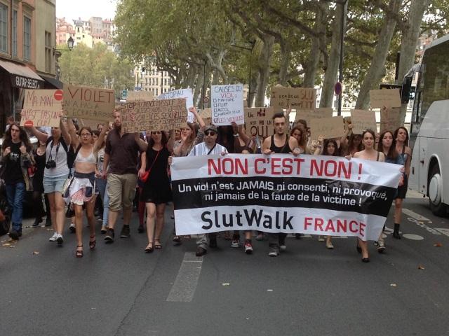 """Lyon : la """"marche des Salopes"""" a réuni samedi près de 70 personnes"""