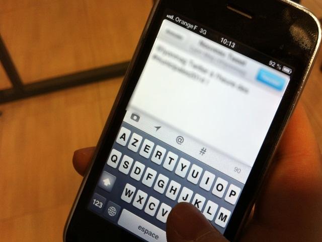 condamn pour avoir envoy plus de 11 000 sms son ex. Black Bedroom Furniture Sets. Home Design Ideas