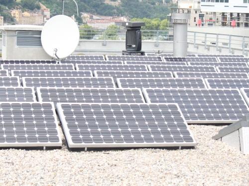 Bosch abandonne le photovoltaïque : 200 salariés de Vénissieux inquiets