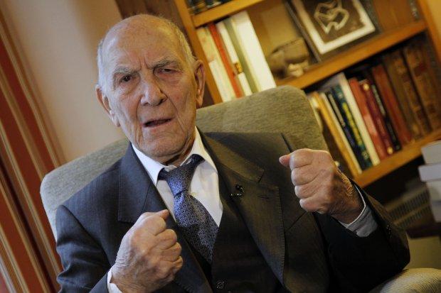 Primaires socialistes : Stéphane Hessel, soutien d'Aubry, à Lyon mercredi