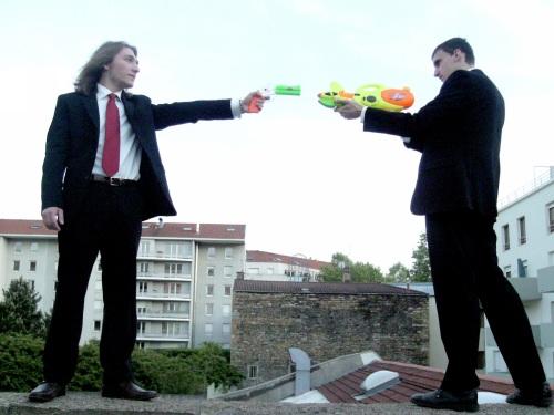 Streetwars Lyon 2012 sort ses pistolets à eau